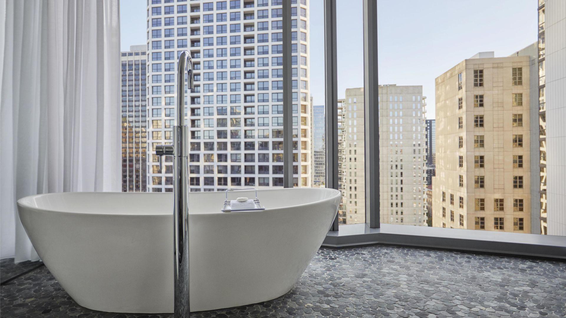 Best bathtub hotel Chicago
