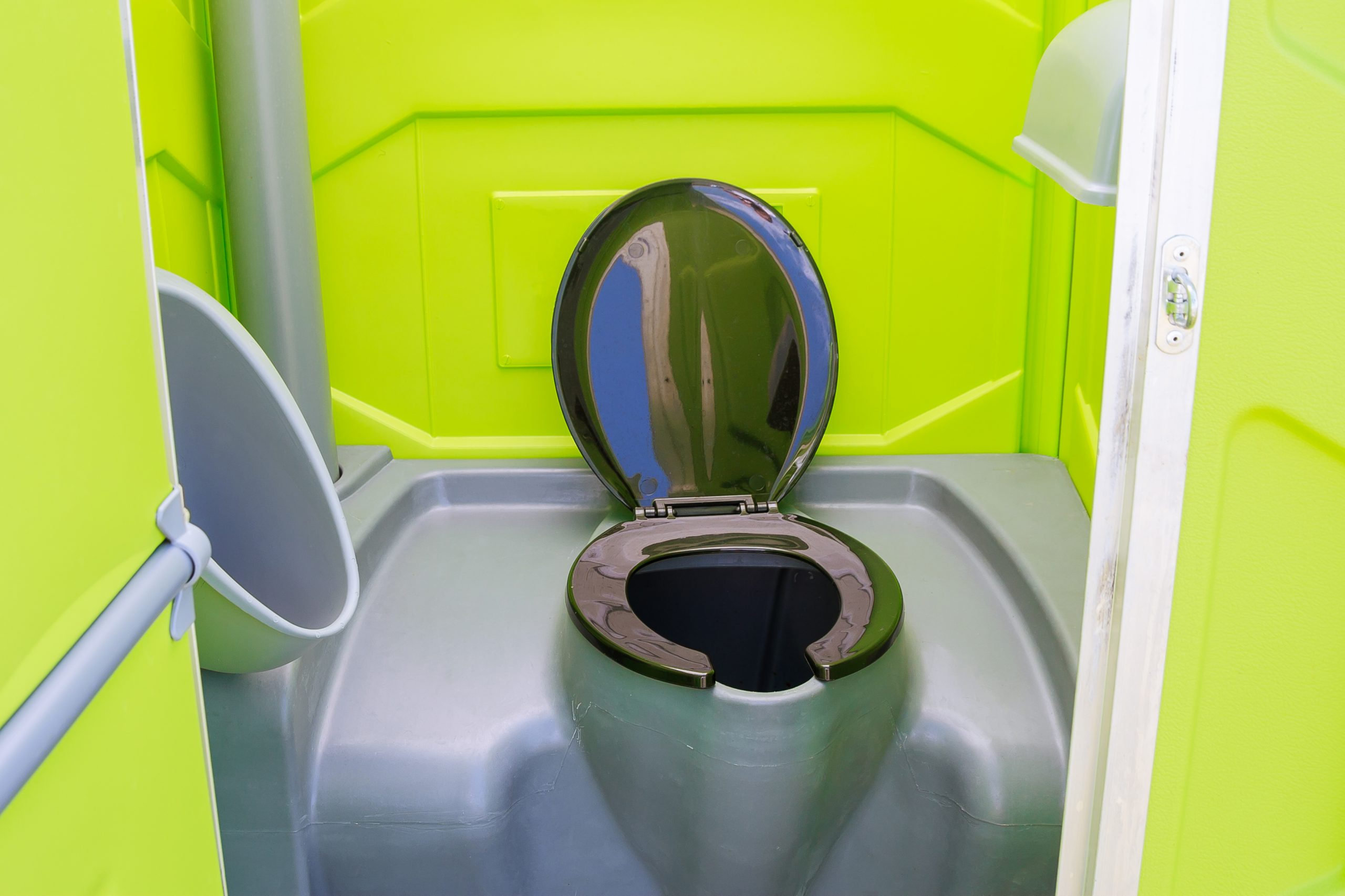 The Best Portable Toilet for Road Trips