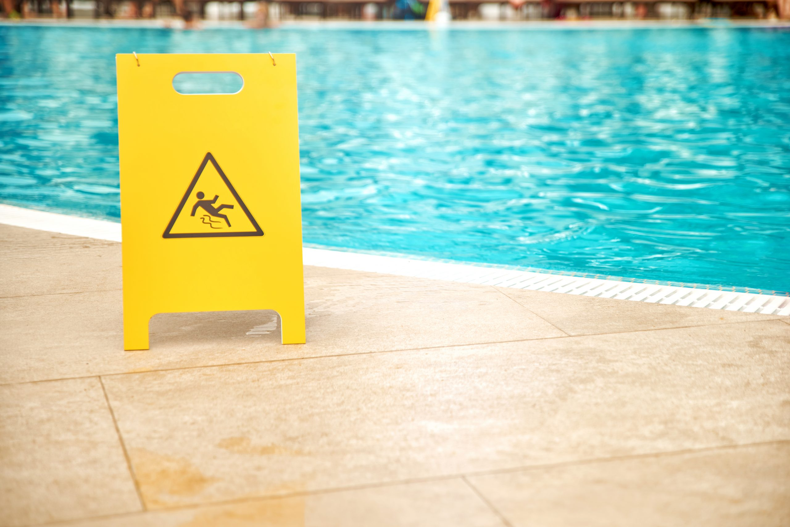What Can I Use to Clean My Swimming Pool?